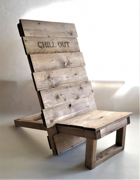 Stuhl Ben Vintage gebeizt und in Handarbeit hergestellt.