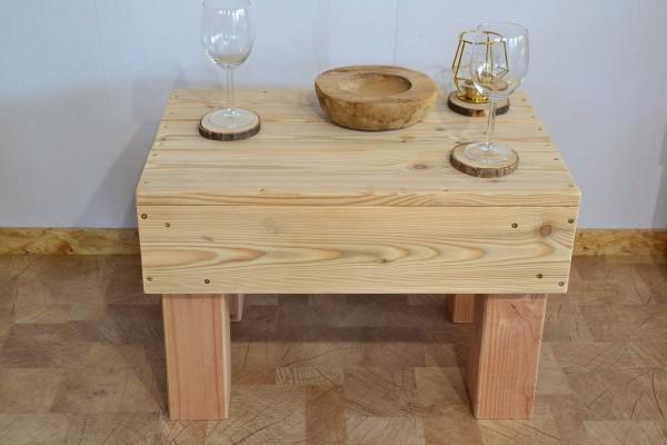 Tisch Henrike